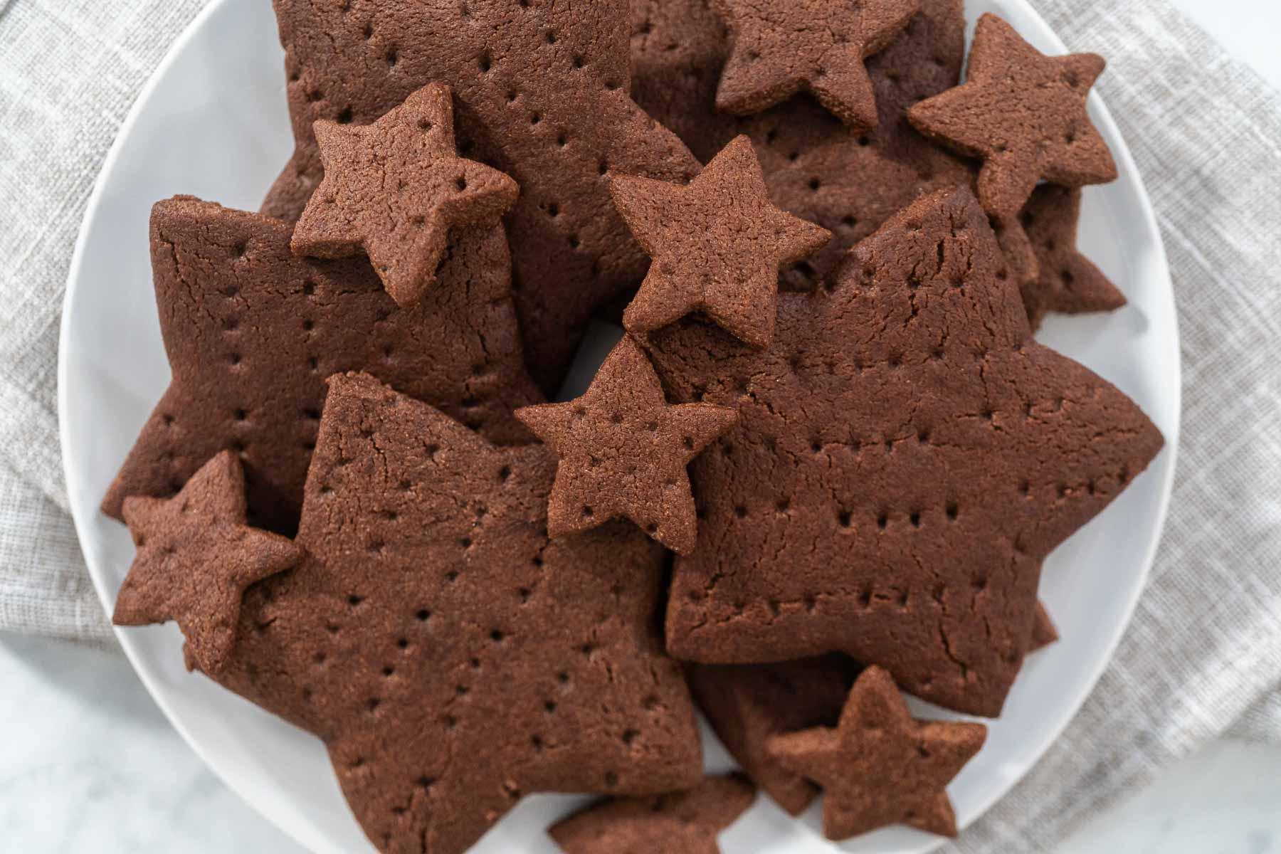 Star-shaped chocolate graham crackers