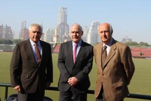 De izq a der- Francisco E. Dorignac, Enrique Meyer y Alberto Goti, VicePresidente de la AAP en la cancha 1 de Palermo