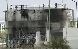 Asciende a 30 los muertos por explosión en planta de Pemex