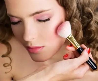 Trucos de maquillaje para aparentar menos edad