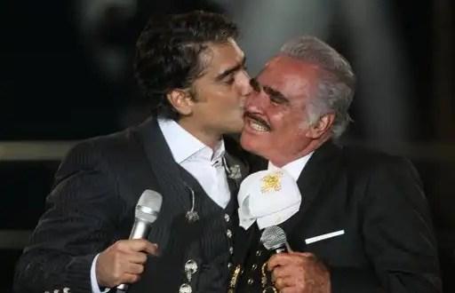 Vicente Fernández no padece cáncer