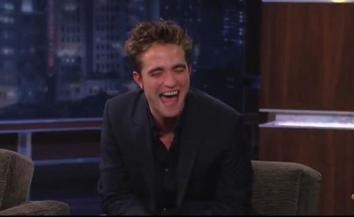Robert Pattinson borracho en programa de TV