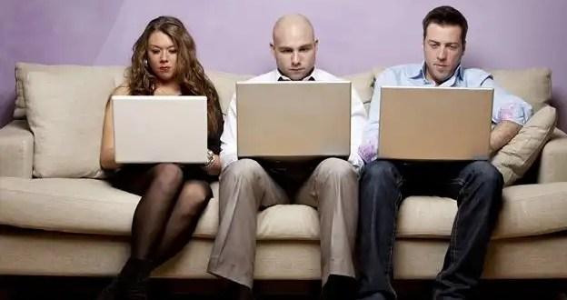 Reacciones que provoca Facebook en sus usuarios