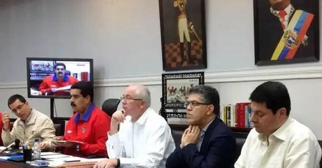 Venezuela subasta 440 millones de dólares