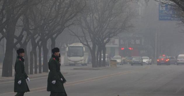Pekín emite alerta naranja por contaminación