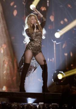 El beso apasionado de Shakira a Gerard Piqué-10