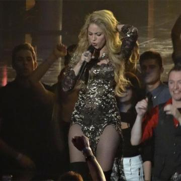 El beso apasionado de Shakira a Gerard Piqué-9