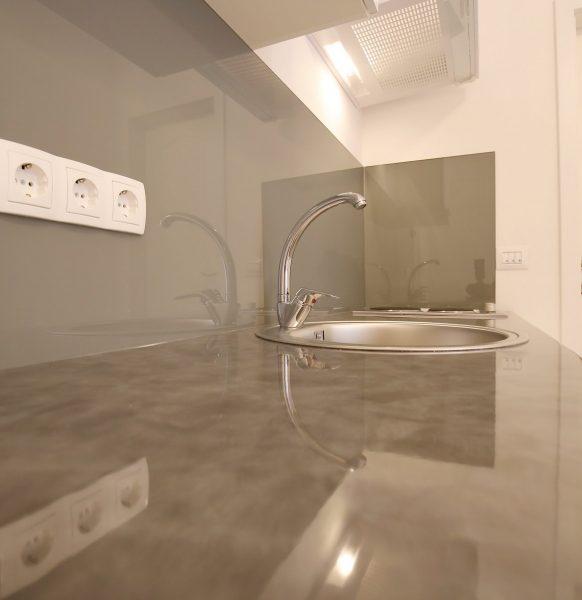 Apartment_23