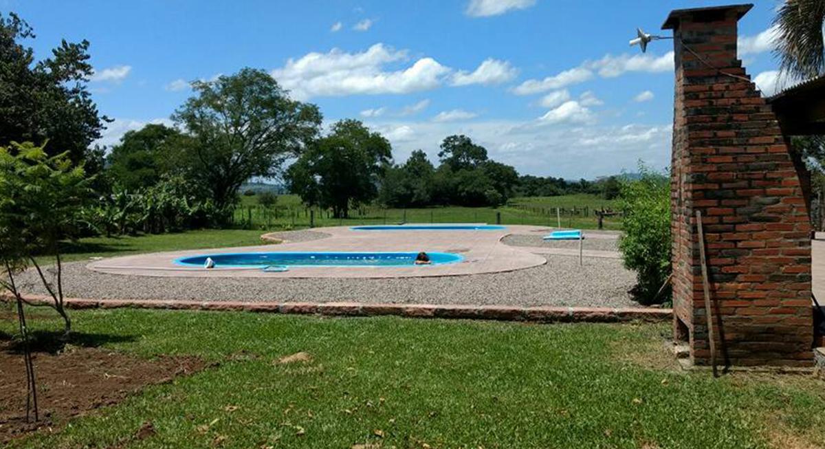 sitio-para-retiro-beira-do-rio-piscina-4