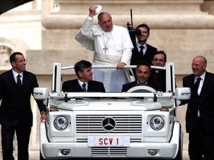 El Papa Francisco podría ser blanco de la mafia si continúa con su política de limpieza financiera en el Vaticano