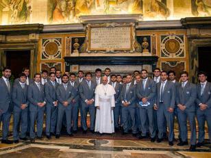 El Papa Francisco con Los Pumas en el Vaticano