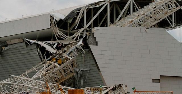 Derrumbe en el estadio donde será la apertura del Mundial 2014 . 3 muertos