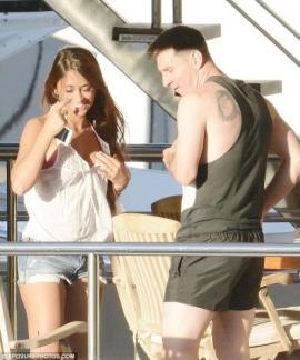 Messi descansa con Antonella en un yate en Capri