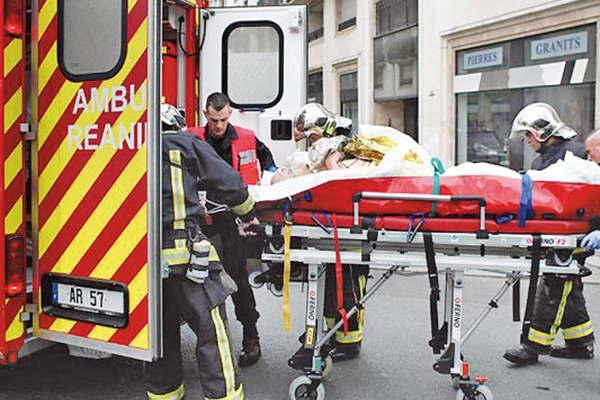 Francia confirmó 129 muertos y 350 heridos por los ataques