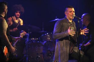 Catupecu Machu hizo un vibrante show eléctrico en LaTrastienda
