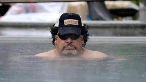 Increëble actuación de Roly Serrano como Maradona