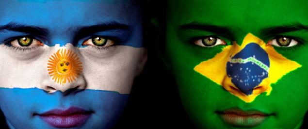 A qué hora juegan Argentina vs Brasil y qué canales de TV lo pasan en vivo