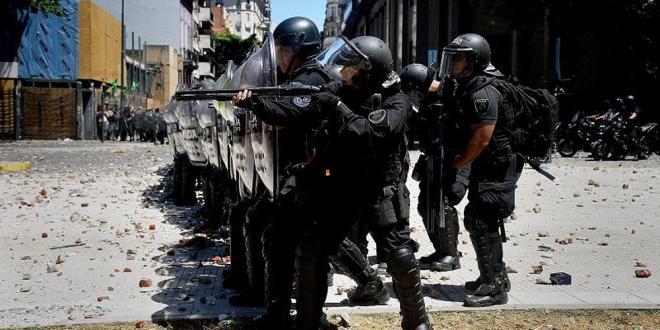 El Gobierno compró nuevo material antidisturbios