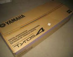 Tyros 4 IN BOX