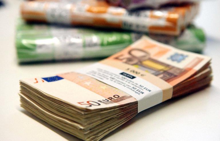 768x492_illustration-liasse-billets-euro