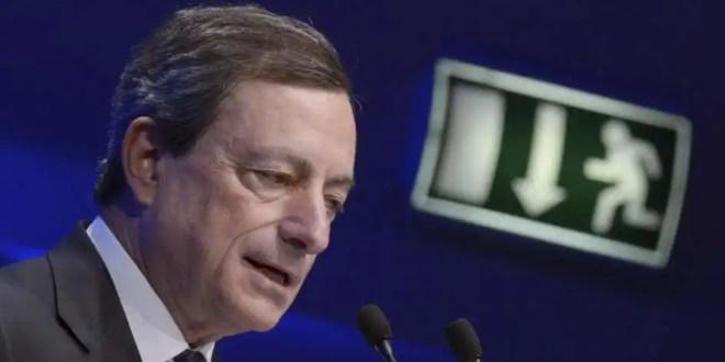 Mario Draghi defiende su plan de compra de deuda