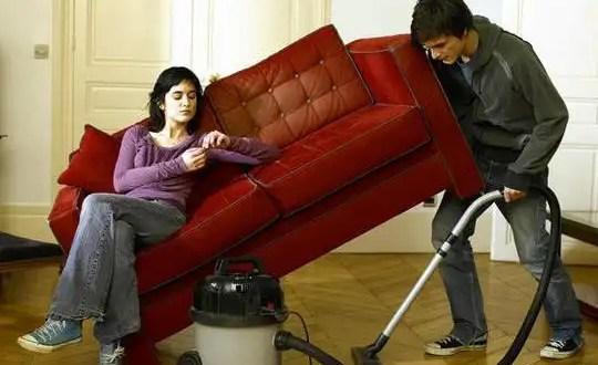 Cuanto más ayuda el hombre en casa hay más riesgo de divorcio