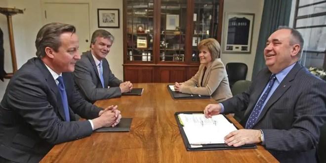 Firman acuerdo que permite un referéndum sobre la independencia de Escocia