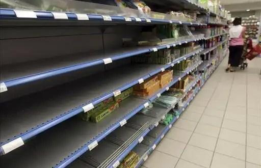 Grecia vende alimentos caducados a un precio más barato