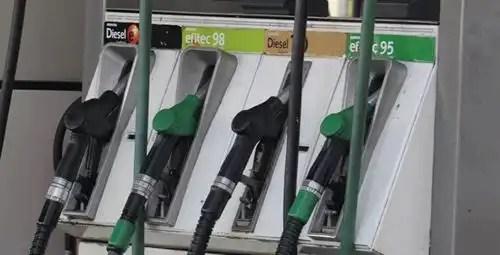 La gasolina y el gasóleo encarecen un 0,3%