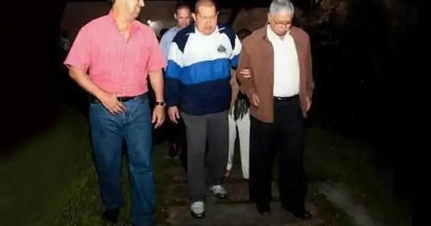Insólito: Foto de Hugo Chávez paseando por La Habana luego de su operación