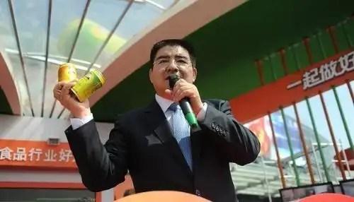 Insólito: Chino vende 'aire puro en latas' y vende 8 millones en 10 días