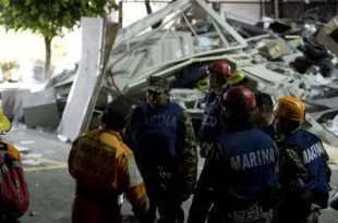 32 muertos en una explosión en la sede de Pemex en México