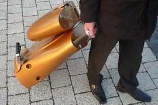 Curiosidades: La scooter plegable que cabe debajo de una mesa - Fotos