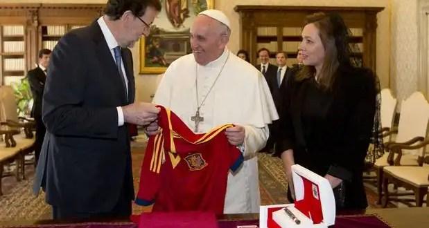 El papa Francisco y Rajoy hablan a solas