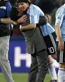 Messi iguala los 345 goles de Maradona