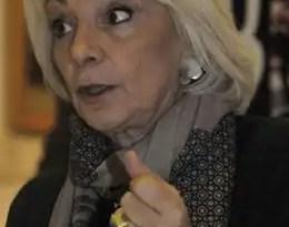 Teófila Martínez es amenazada a través de internet
