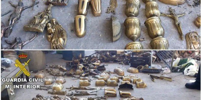 Empleados del cementerio de Alcorcón roban 200 kilos de ornamentación fúnebre