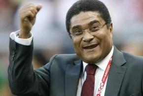 Miles de portugueses despiden al exfutbolista Eusebio