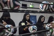 Mira cómo se fabrican los balones del Mundial de Brasil-6