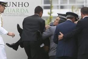 Cavaco Silva se desmaya en pleno discurso - Video y Fotos