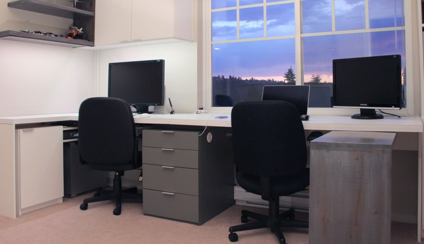 The desk in its finished state with the task desk on the end