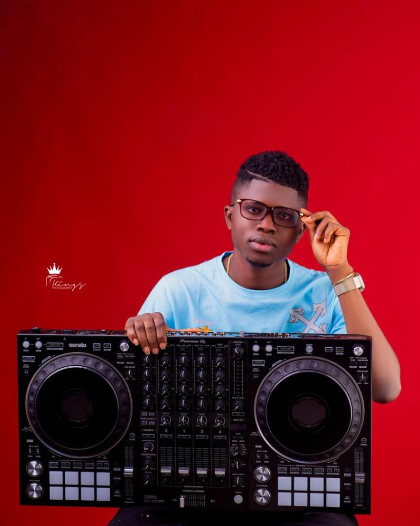 DJ Tunzy Who Be That Guy Wey Dey Talk Anyhow Mp3 Download