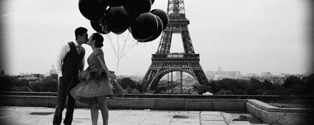 Kiss in Paris (Source: K-International)