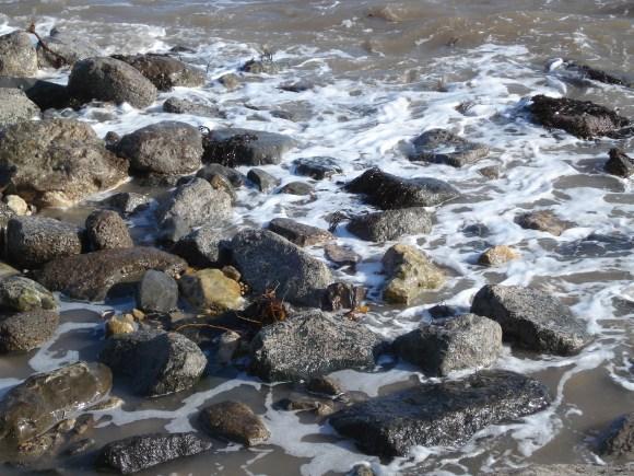close rocks with sea