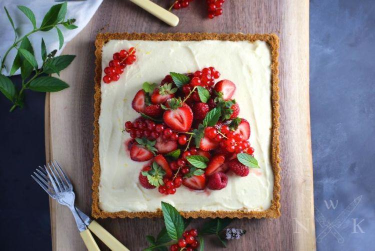 Spring Desserts | Gorgeous Dessert | Beautiful Cake Recipe | Summer Dessert Recipes | Yummy Desserts | Fruit Desserts | Chocolate Desserts | Fancy Elegant Desserts | Impressive Dessert Recipe | Eye Catching | Six Clever Sisters | Mothers Day Ideas | Mothers Day Recipe | Summer Berry Tart Lemon Mascarpone
