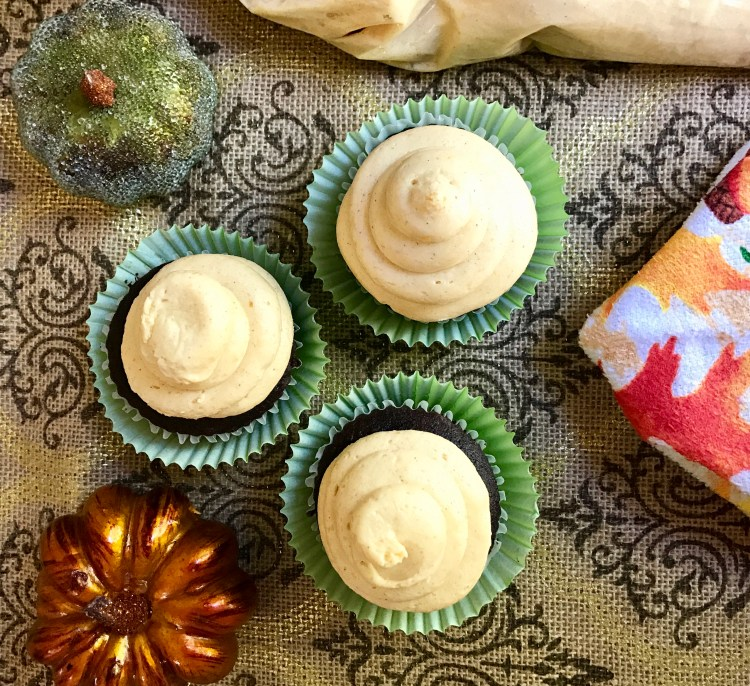 Pumpkin Maple Buttercream | Recipe | Frosting | Icing | Cupcakes | Cupcakes recipe | Cake idea | Cupcake Idea | Pumpkin | Pumpkin Dessert | Maple Dessert | Pumpkin Maple | Fall Dessert | Fall Recipe | Dessert | Thanksgiving | Fall Festival Food | Pumpkin Maple Buttercream Frosting Recipe on Six Clever Sisters!