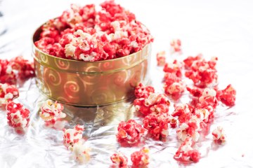 Popcorn Recipes   Popcorn Recipes Sweet   Cinnamon Popcorn   Cinnamon Popcorn Easy   Holiday Popcorn   Snacks for Party Easy   Holiday Popcorn Recipes   Holiday Popcorn Recipes Gift   Snacks for Party   This unique sweet, cinnamon #popcorn recipe is always a crowd pleaser! Take it to your next #holiday gathering for a fun, festive treat! Go to Six Clever Sisters for the recipe.