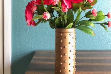 DIY Gold Decor | Gold Vase | Dollar Store | Spray Paint | Upcycled Crafts | DIY Home Decor | DIY Vase | Hot Glue Vase | DIY Bedroom Decor | Cute Vase | Pretty Vase | Six Clever Sisters
