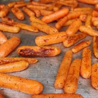 The Best Garlic & Dill Roasted Carrots