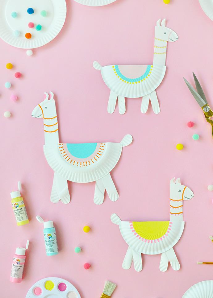 photograph relating to Free Printable Birthday Decorations named Llama Social gathering Handle Luggage (+ Totally free Printable) - 6 Sensible Sisters